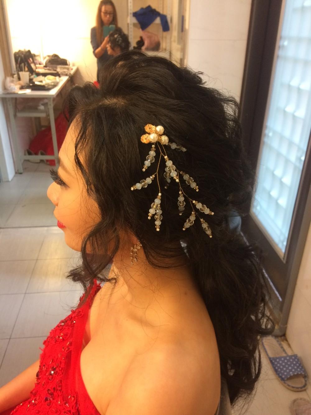 華麗空氣感捲髮|低馬尾|水晶頭飾-台北新秘ADi