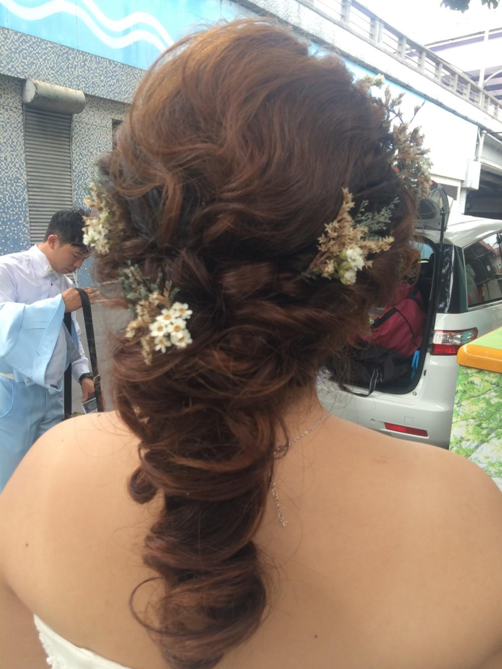 浪漫捲髮|氣質低馬尾|新娘造型推薦-台北新秘ADi
