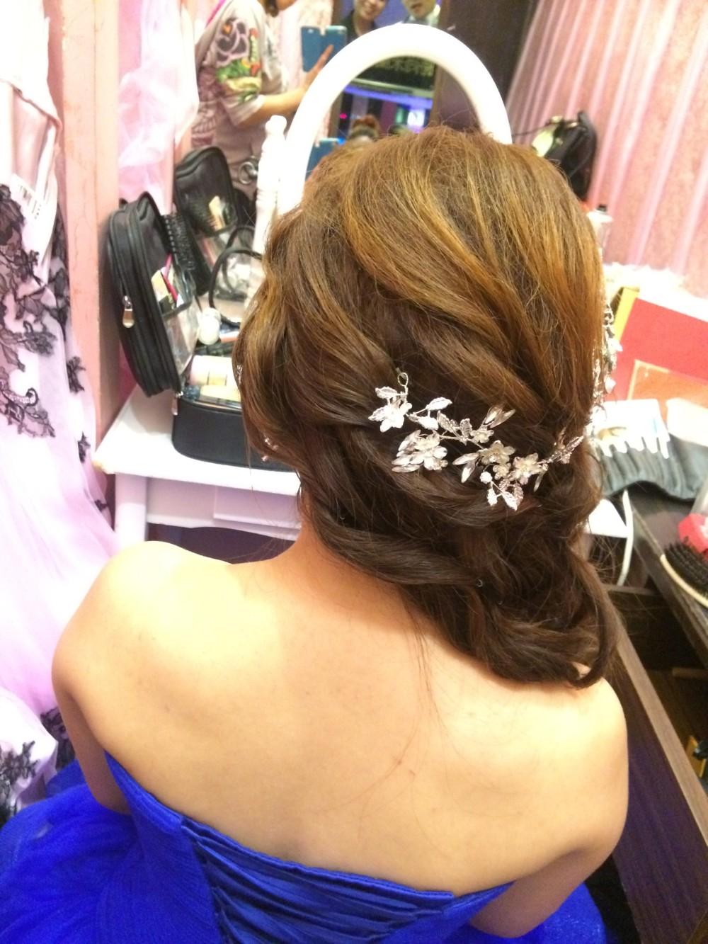 浪漫甜美捲髮|側編髮|新娘妝髮—新秘ADi
