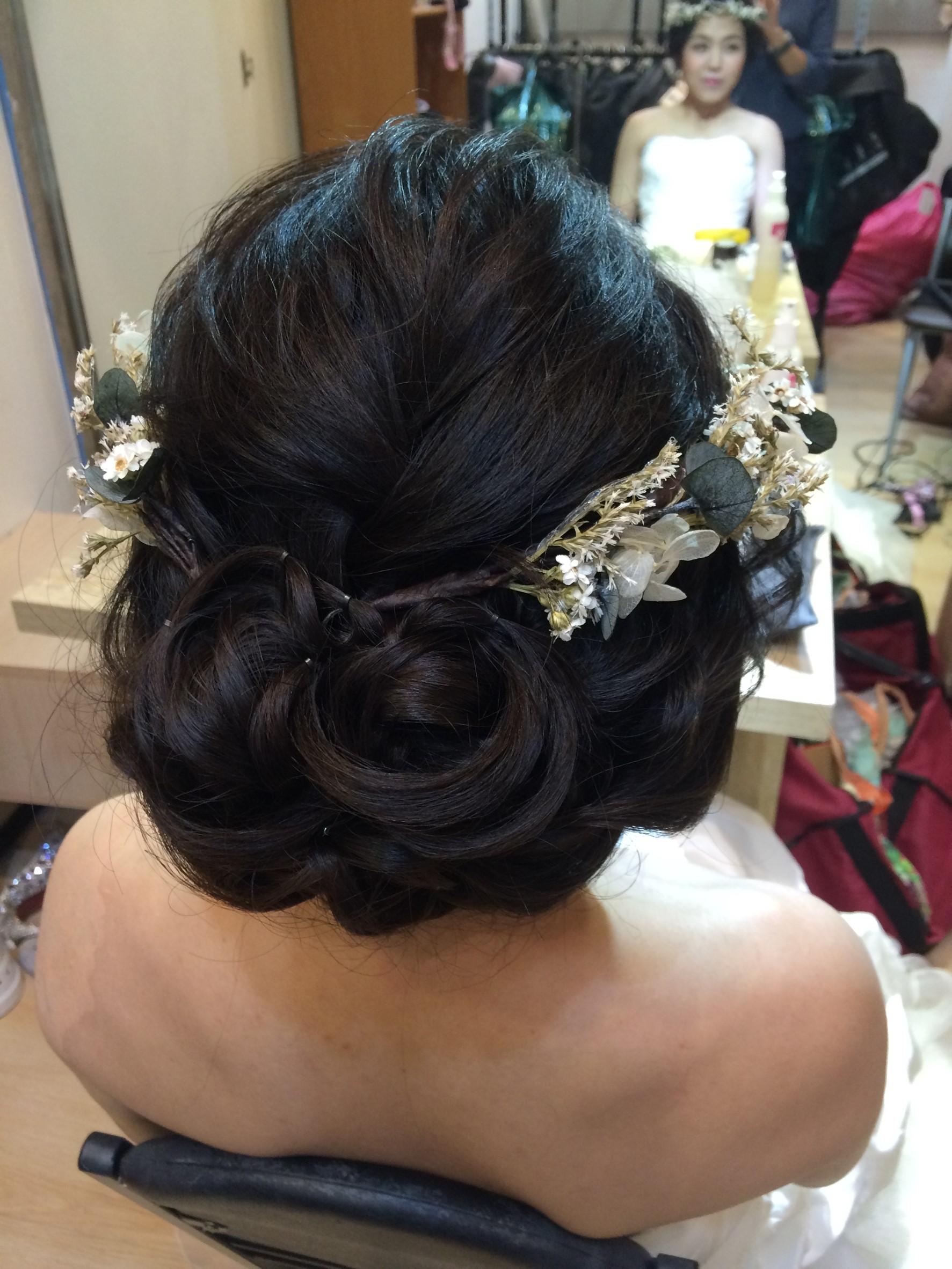 乾燥花圈|氣質低盤髮|新娘造型-台北新秘ADi