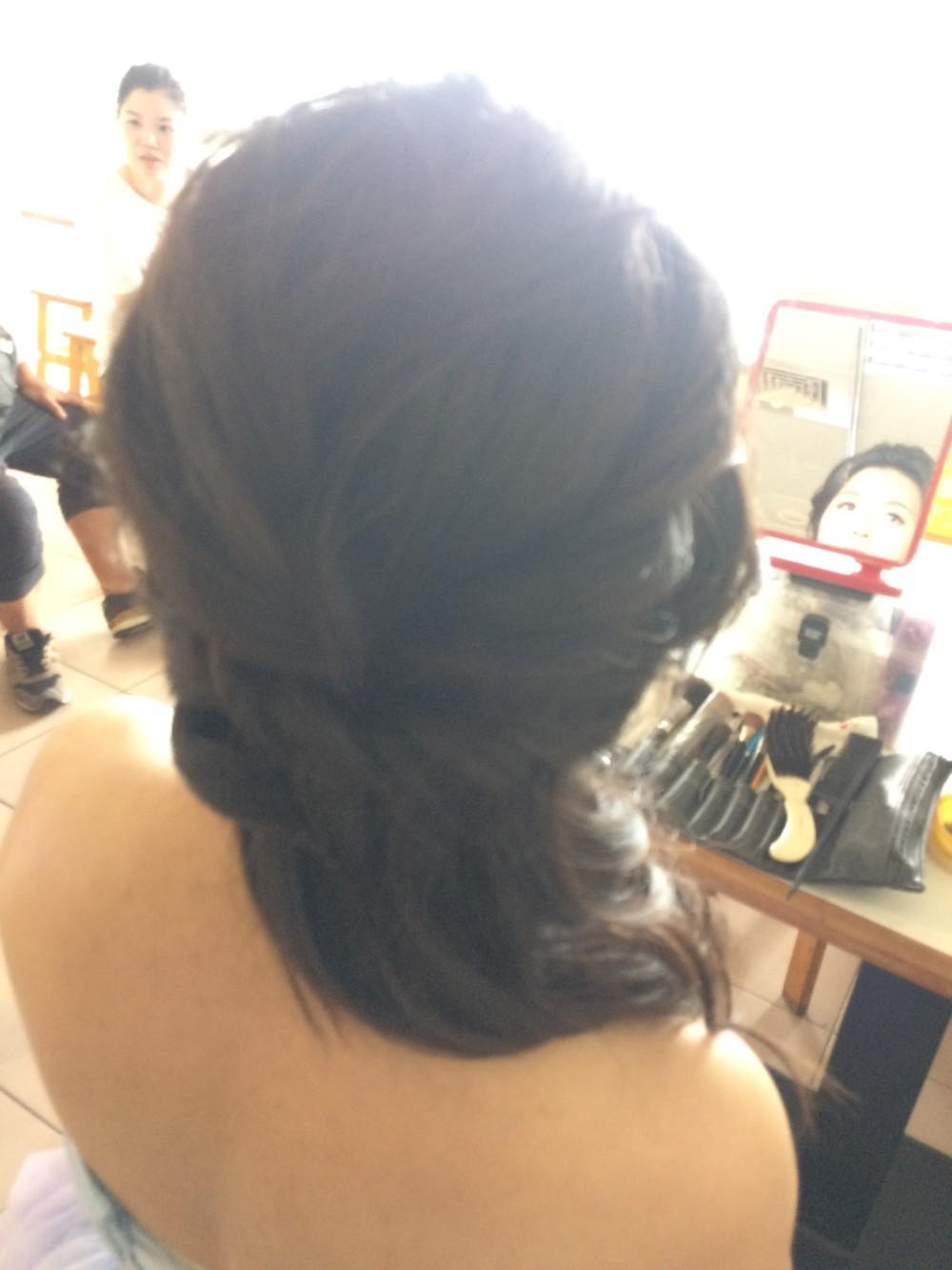 氣質側馬尾|珍珠銀頭飾|婚紗造型-新秘ADi